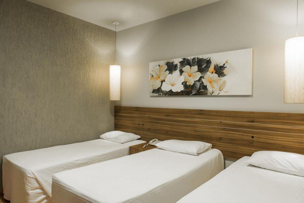 Quarto Standard Conjugado com 3 camas solteiro